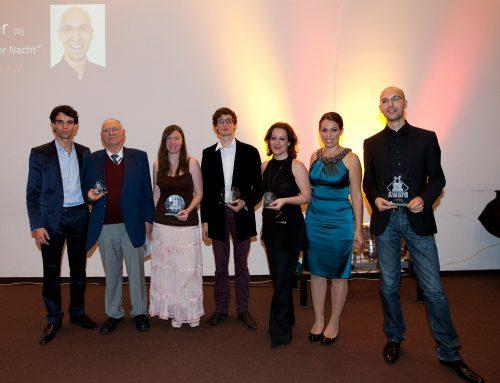 (Deutsch) Sieger des Crossover Composition Award 2012 ausgezeichnet
